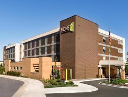Pets-friendly hotels in Menomonee Falls