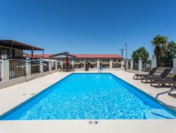Pets-friendly hotels in Ozona