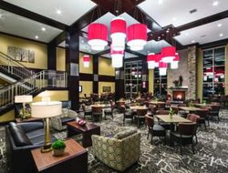 West Fargo hotels with restaurants