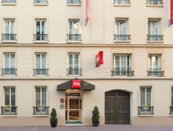 Levallois-Perret hotels with Russian personnel