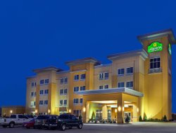 Top-4 hotels in the center of Durant