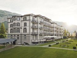 Flims Waldhaus hotels with Russian personnel