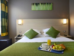 Pets-friendly hotels in Chelles