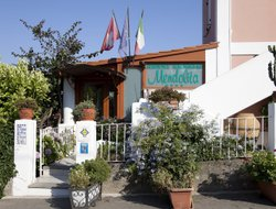 Lipari Town hotels with restaurants