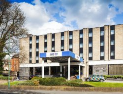 Nottingham hotels with swimming pool