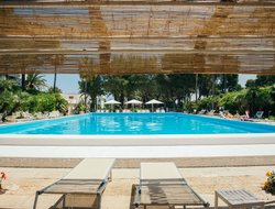 Giovinazzo hotels with swimming pool