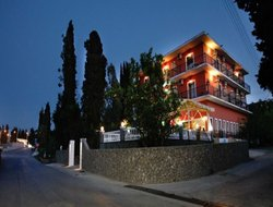 Top-3 hotels in the center of Kontokali