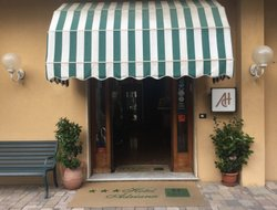 Celle Ligure hotels with restaurants