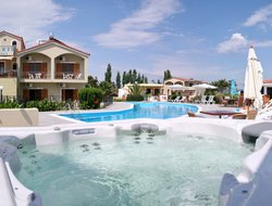 Top-7 hotels in the center of Skala Kallonis