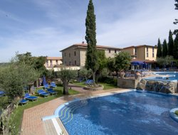 Passignano sul Trasimeno hotels with restaurants
