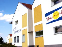 Lutzmannsburg hotels for families with children