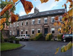 Pets-friendly hotels in Paisley