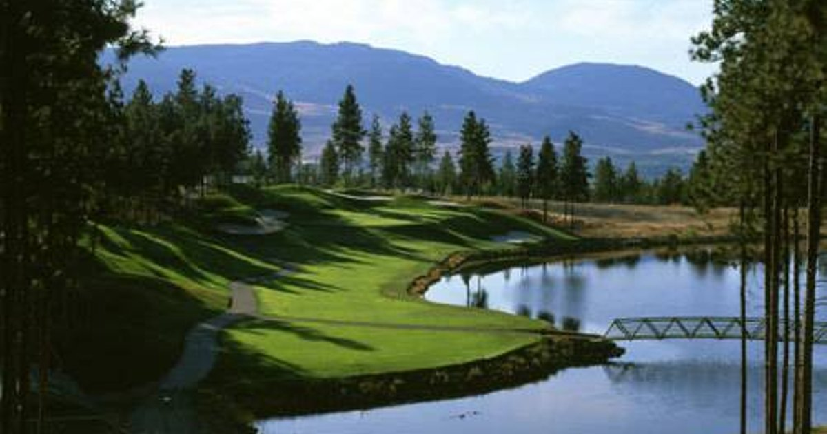 Pinnacle Pointe Resort by kelownacondorentals