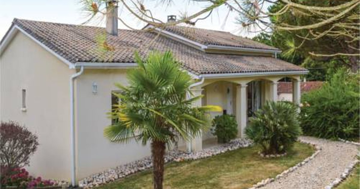 Four-Bedroom Holiday Home in Trelissac