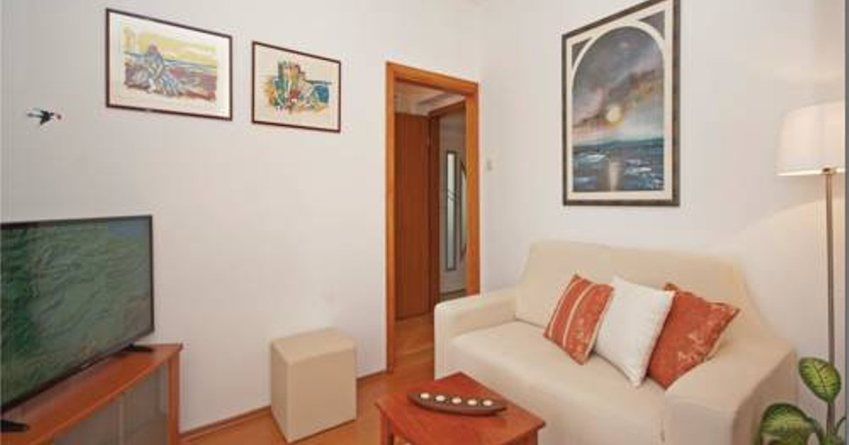 One-Bedroom Apartment in Gradac