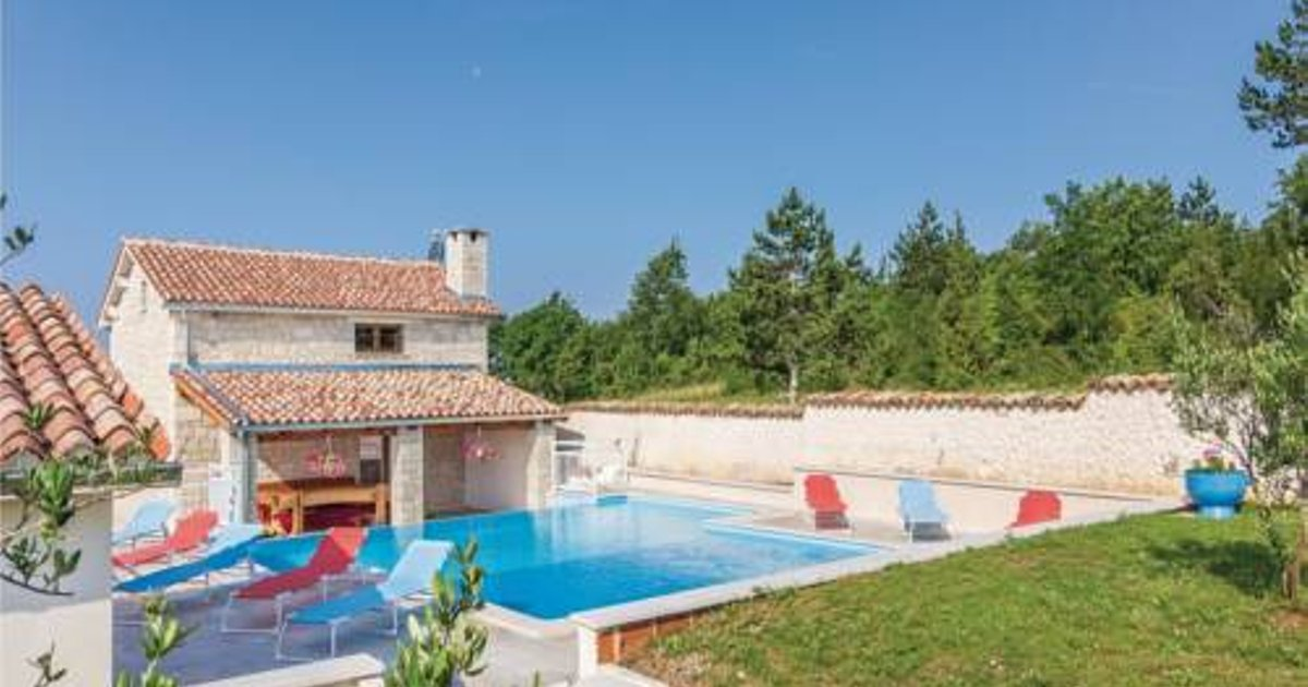 Three-Bedroom Holiday Home in Pulici