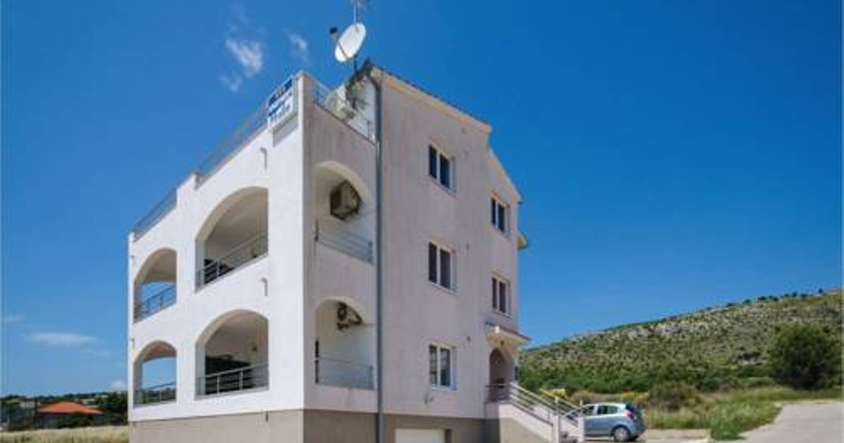 One-Bedroom Apartment in Seget Vranjic