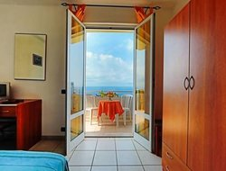 Forio hotels with sea view