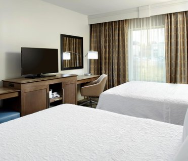 Hampton Inn & Suites Pittsburgh Airport South/Settlers Ridge
