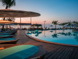 Ngapali Beach hotels with restaurants