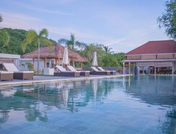 Mataram hotels with sea view
