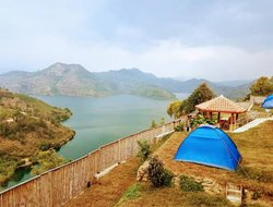 Rwanda hotels with lake view