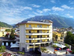 Castellammare di Stabia hotels with swimming pool