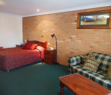 Cobar Town & Country Motor Inn