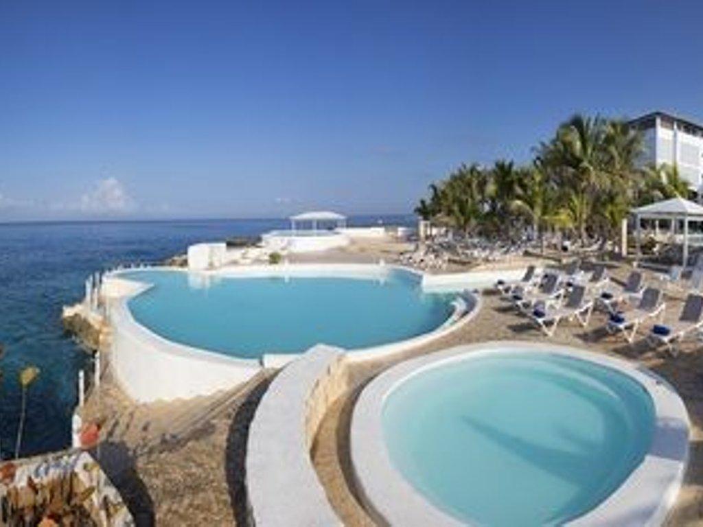 Caribbean Travel Hotel