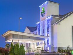 Jeffersontown hotels with restaurants