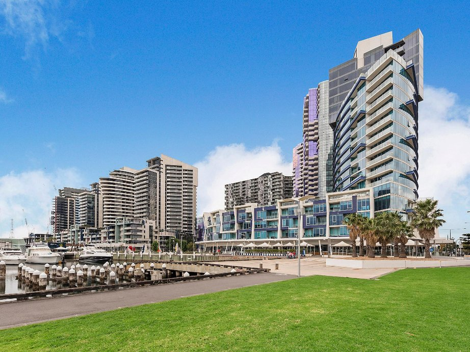 Hotels in Docklands Melbourne
