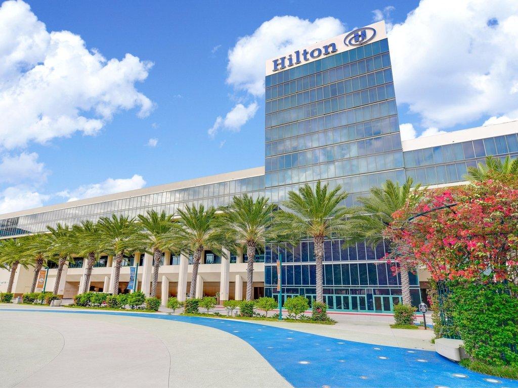 hotels close to anaheim convention center
