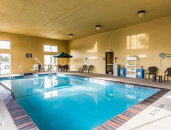 Ardmore hotels with swimming pool