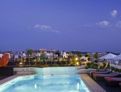 Alimos hotels with restaurants