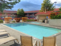 Top-10 hotels in the center of Bend
