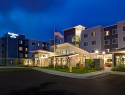 Pets-friendly hotels in Bolingbrook
