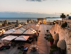 Cagliari hotels with restaurants