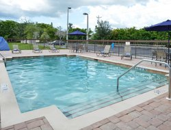 Cape Coral hotels with restaurants