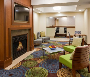 Holiday Inn Express Cedar Rapids - Collins Road