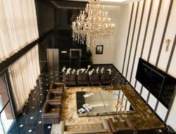 Itapua do Oeste hotels with restaurants