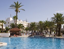 Ciutadella hotels for families with children