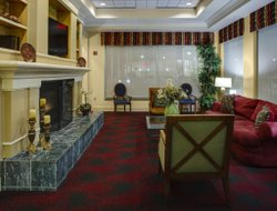 Colonial Heights hotels with restaurants