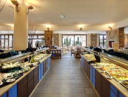 El Rompido hotels with restaurants