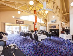 Esperance hotels with restaurants