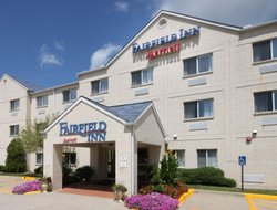 Fairborn hotels with swimming pool
