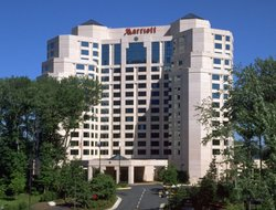 Business hotels in Falls Church