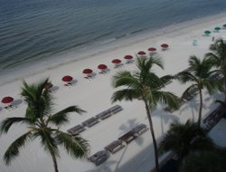 Fort Myers Beach hotels with restaurants