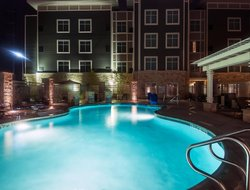 Fort Worth hotels with swimming pool