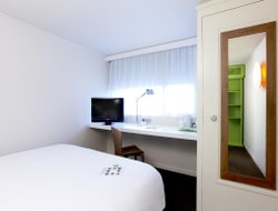 Pets-friendly hotels in Gennevilliers