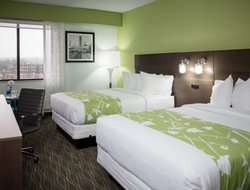 Grand Rapids hotels with river view